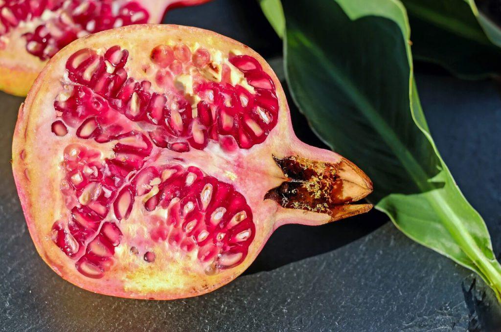owoc granatu właściwości