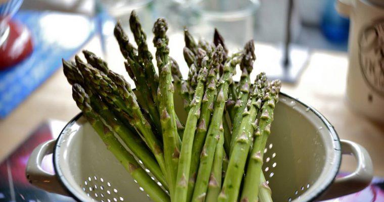 Jak obrać szparagi zielone?