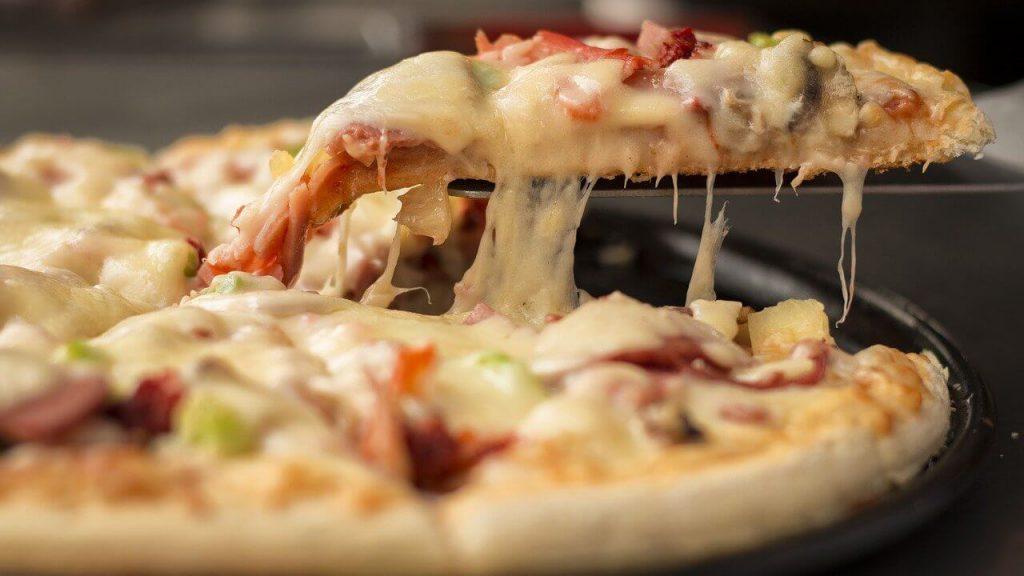odgrzewanie pizzy